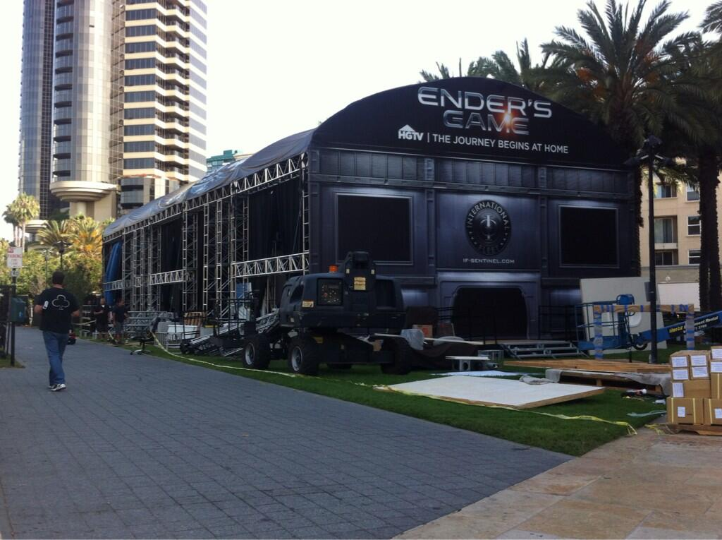 an ender s game guide to san diego comic con 2013 ender 39 s ansible. Black Bedroom Furniture Sets. Home Design Ideas